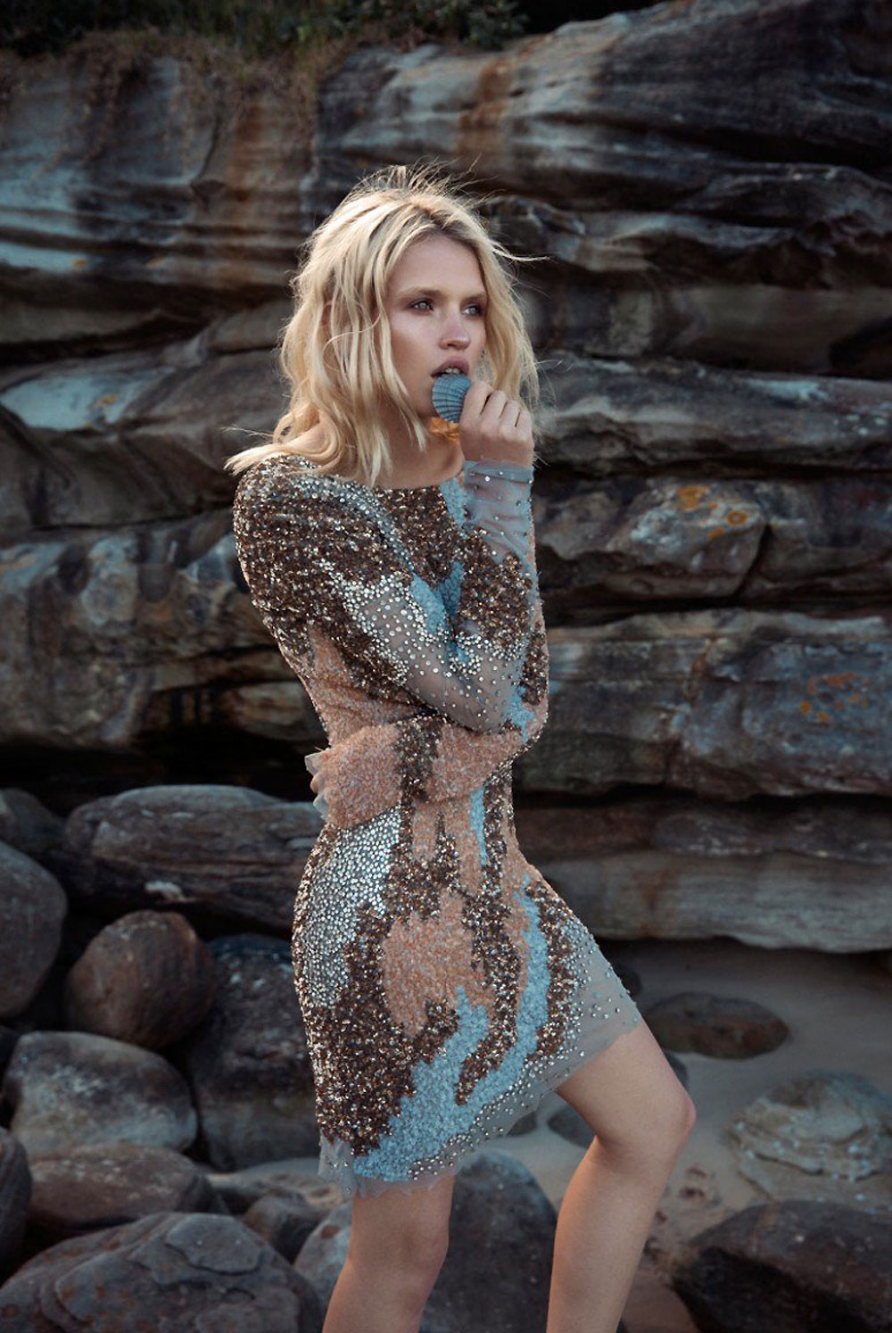 anja-konstantinova-emily-abay-fashion-editorial-love-rush.41