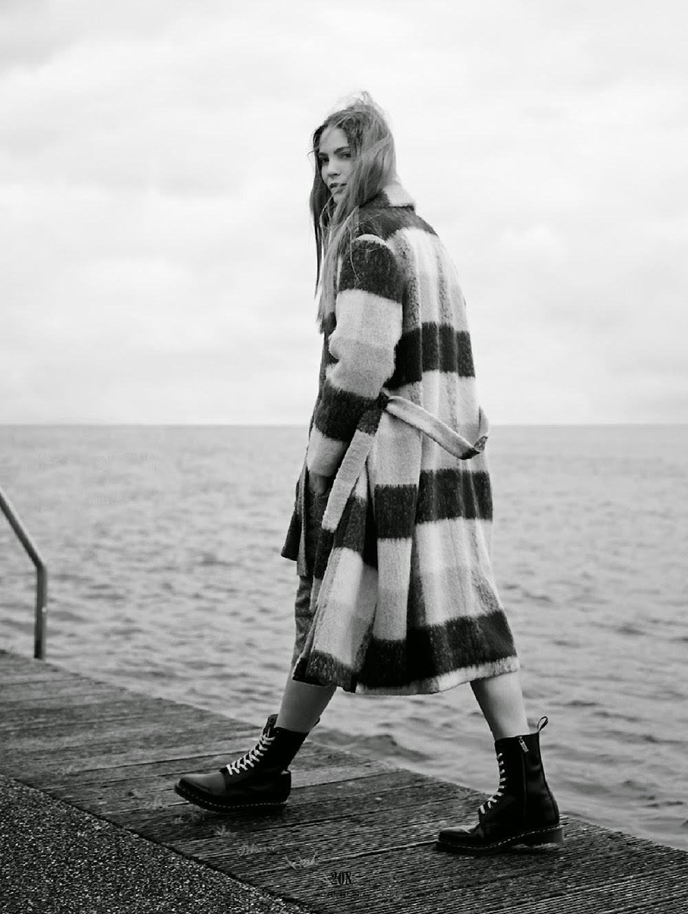 Inga-Marie-Tekukwitha-by-Barrie-Hullegie-Elle-Netherlands-magazine-editorial-Love-rush.1