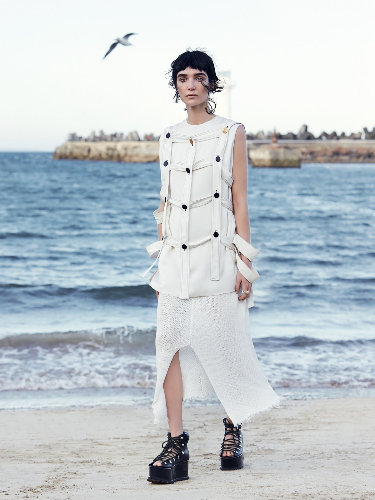 vogue-tales-of-land-and-sea-janice-seinen-12