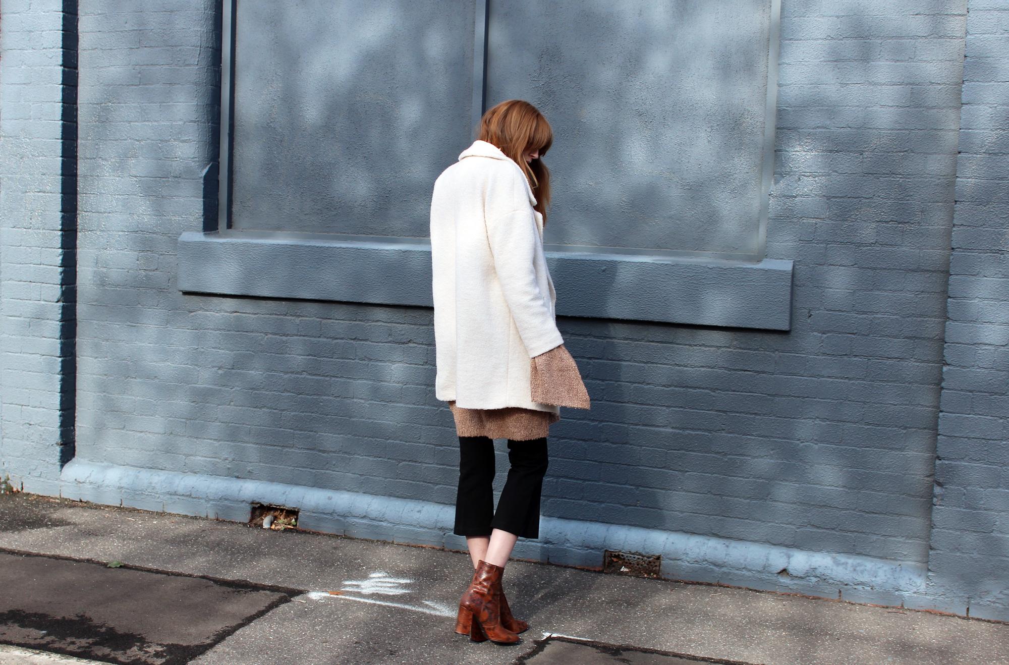 love_rush-anna-quan-knit-snake-print-boots-5.1