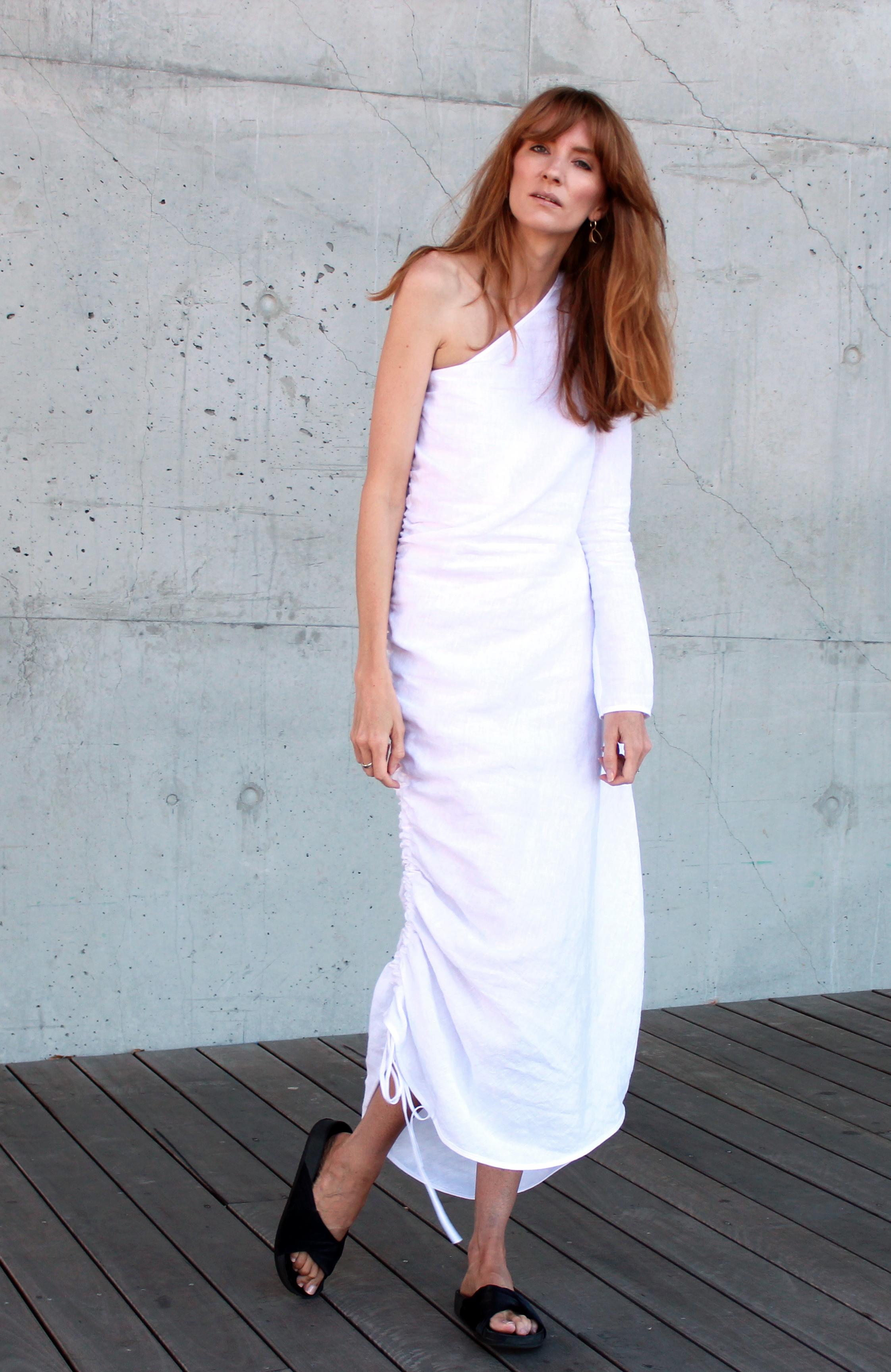 loverush_Georgia-Alice_white-linen_outfit-style_4